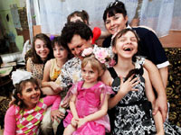Чиновники отбирают статус у многодетных семей из Москвы и Подмосковья